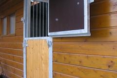paardenstallen 012